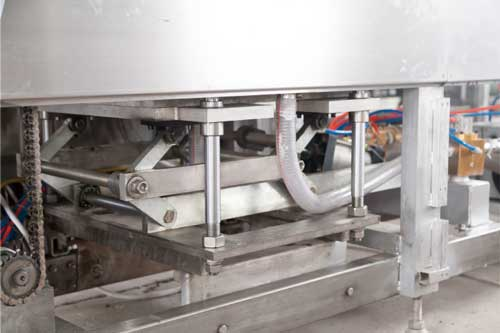 triangular lever jacking system